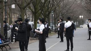 Orthodox Jews maintain social distancing in Brooklyn, NY