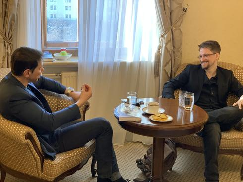 Ronen Bergman with Edward Snowden in Moscow