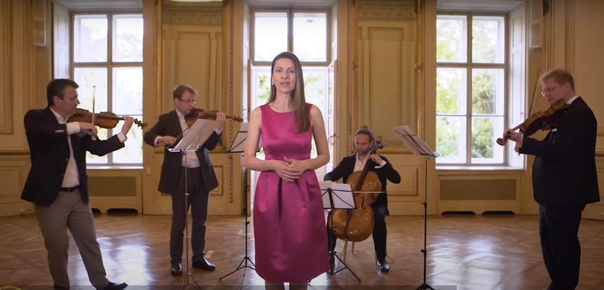 Israeli soprano Chen Reiss and the Austrian String Quartet perform 'Life is Beautiful' for the IPO gala