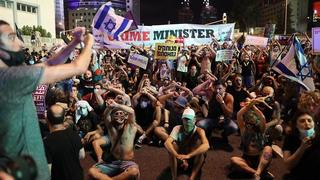 Thousands protesting in Tel Aviv against the government's conduct during the pandemic