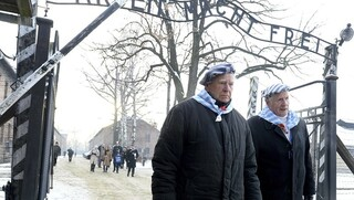 Auschwitz survivors pay homage at camp on Holocaust remembrance day 2019