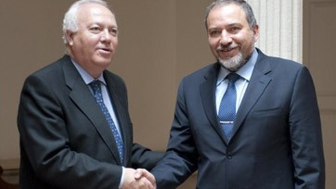 Then-Spanish Foreign Minister Miguel Moratinos meets with his Israeli counterpart Avigdor Liberman in Madrid in 2010