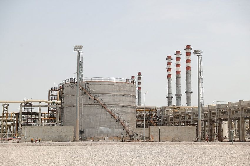 A general view of the Setareh Khalij Fars (Star of the Persian Gulf) petrol refinery in the Gulf port city of Bandar Abbas