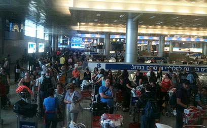 Passengers at a crowded Ben-Gurion Airport ahead of the Rosh Hashanah holiday in a previous year