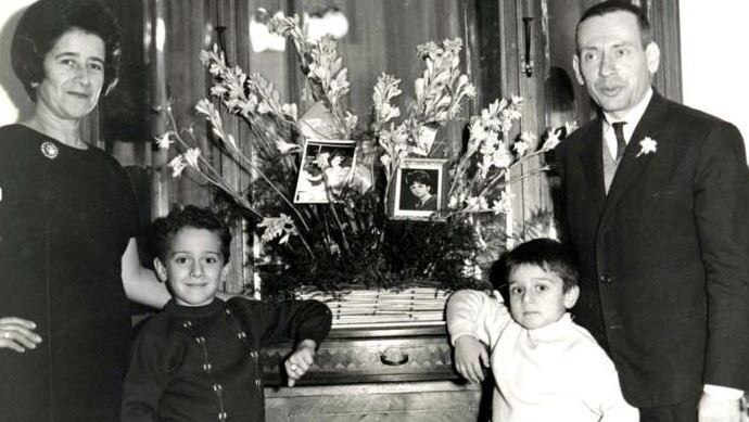 Elie Abadie (2nd R) with his parents and brother in Lebanon, 1966.
