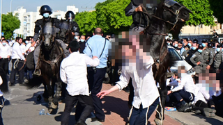 Clashes between Haredim and police in Ashdod