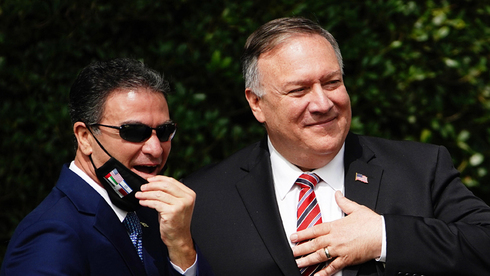 Mossad chief Yossi Cohen and U.S. Secretary of State Mike Pompeo during a meeting at the White House