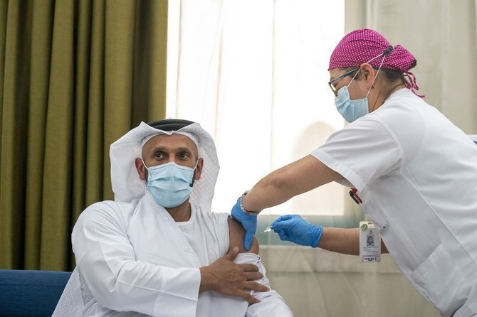 Sheikh Abdullah bin Mohammed Al-Hamed, chairman of the Department of Health, undergoing a clinical trial for the third phase of the inactive vaccine for COVID-19 in Abu Dhabi
