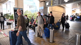 Israelis arriving from U.S. on a special flight during lockdown