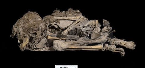 6,000 year old mummified skeleton of young girl discovered in Judean Desert cave