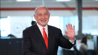 Benjamin Netanyahu in the Ynet studios the week before the March 2021 elections
