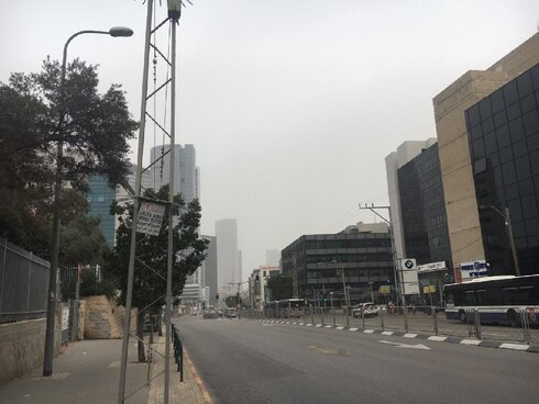 A hot and hazy Tel Aviv at noon on Election Day