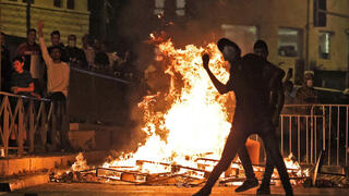 Palestinians clash with police at Damascus Gate to the Old City of Jerusalem on Saturday night