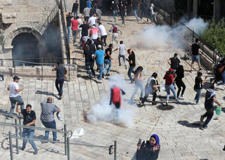 Clashes between Palestinians and Israeli security forces in Jerusalem