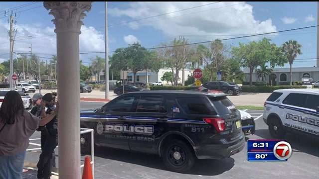 Police outside the synagogue in Hallandale Beach, Florida