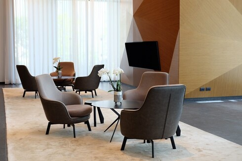 A lux, laid back residential experience: the Park Bavli lobby