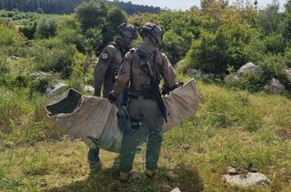 Polaris Solutions demonstrates how its TVC sheet can be used as a lightweight stretcher on the battlefield