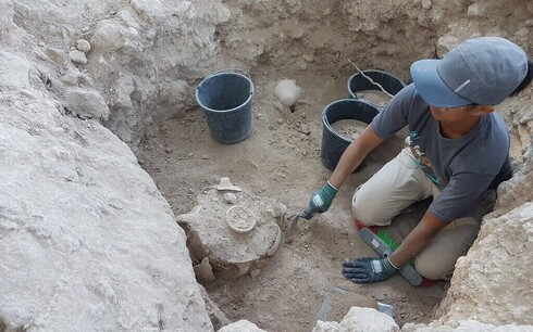 Excavation of the silo where the Jerubbaal inscription was found