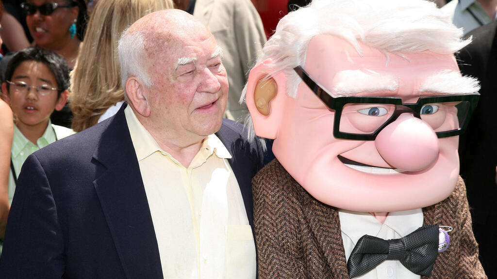 """Ed Asner and character Carl Fredricksen arrive for the premiere of Disney Pixar's """"Up"""" at the El Capitan Theatre in Hollywood on May 16, 2009"""