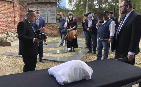 Warsaw's Jewish community held a funeral for an unidentified Holocaust victim after human remains were recently discovered in an area that belonged to the Warsaw Ghetto during World War II